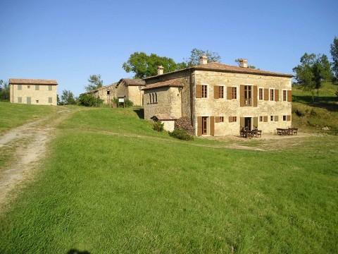 San-Vitale-di-Carpineti-ostello-e-pieve